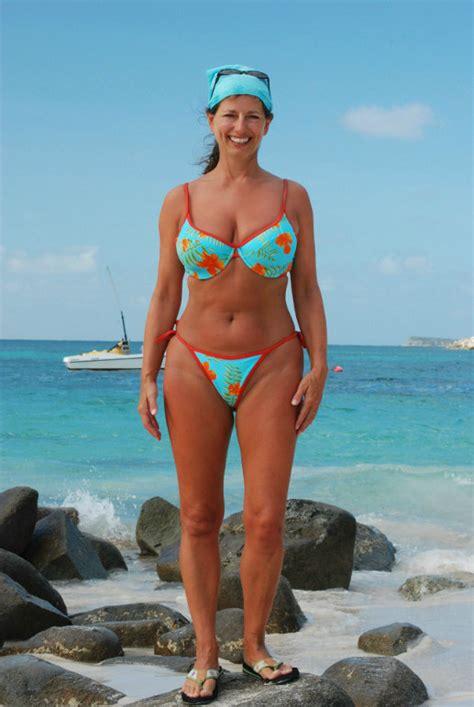old wife bikini jpg 517x772
