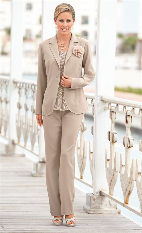 lady in business suit sex jpg 800x1312